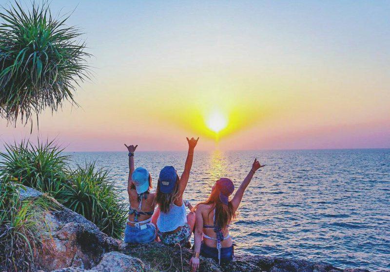 【絶対バズる】海・ビーチでインスタ映えする写真の撮り方!おすすめのカメラアプリも紹介